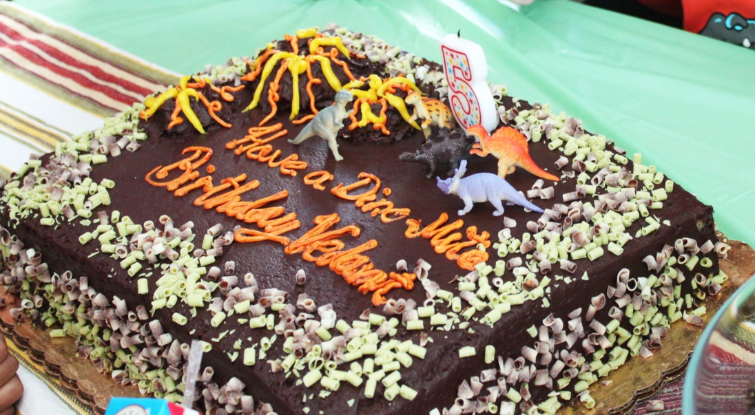 Dinomite cake!